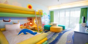 家族7人でルネッサンスリゾートのフリッパーズコネクティング2泊3日沖縄旅行の費用と必要マイル数は?