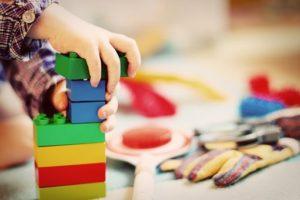 3才の娘が遊んだおもちゃを自ら進んで片付けるようになった対策方法